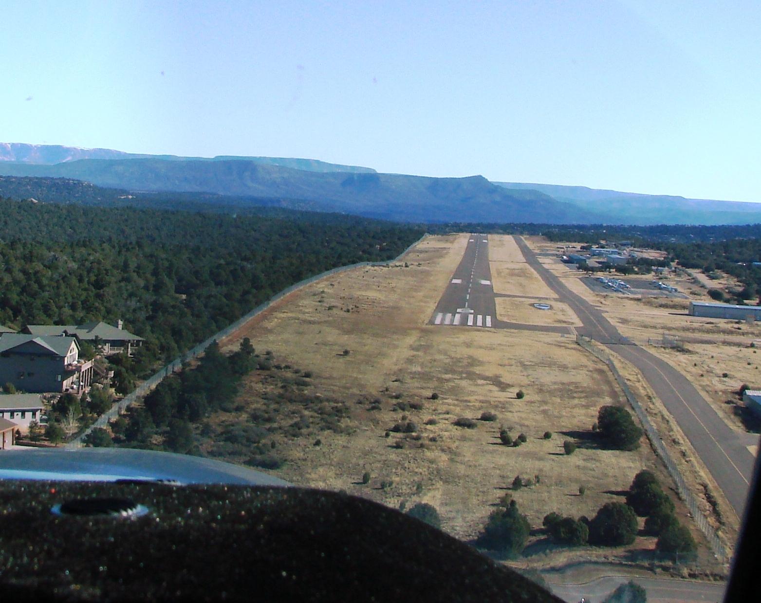 landing-at-payson-az-airport.jpg