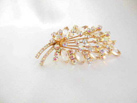 Vintage JULIANA D&E Brooch with Amazing Sparkle