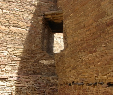 Chaco corner window