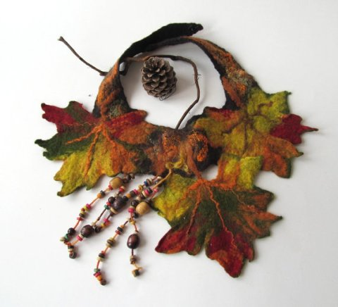 Fall leaf Felted necklace - Autumn maple leaves fall green orange brown