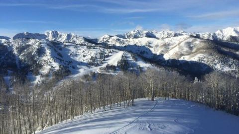 snowy-utah-mountain-range-232