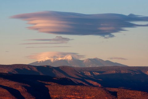 Lenticular Cloud hovers over San Francisco Peaks