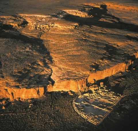 mystery_chaco_canyon_canyon